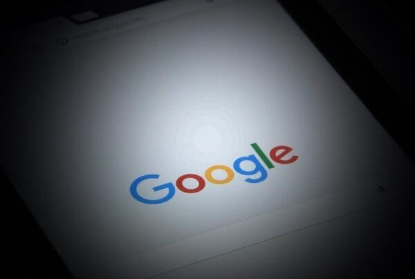 Google Expands Its Search Listing Format To Web-Based Queries | EmailOut.com - free email marketing software