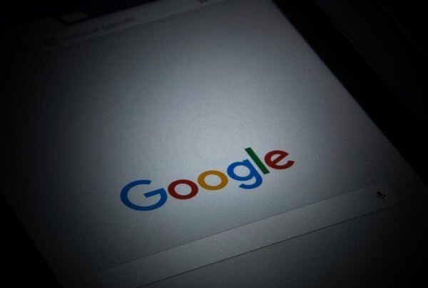 Google Notifies Site Owners About Traffic Spikes   EmailOut.com - free email marketing software