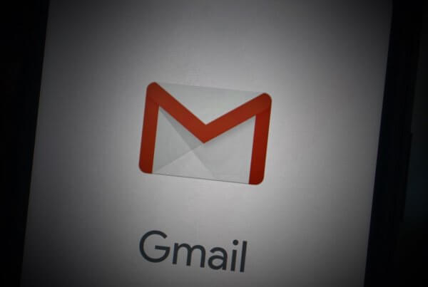 Updates For Gmail: New Compose Button and 'Dark Mode' For iOS | EmailOut.com - free email marketing software