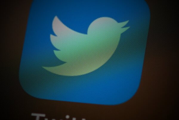 Twitter Testing New Tweet Reply Control Options | EmailOut.com - free email marketing software