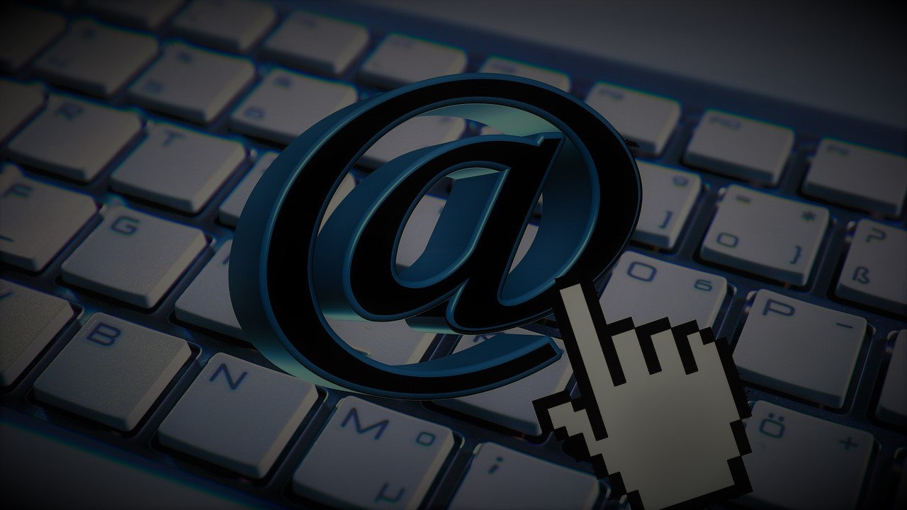 Email Industry News: The Email Lovebug